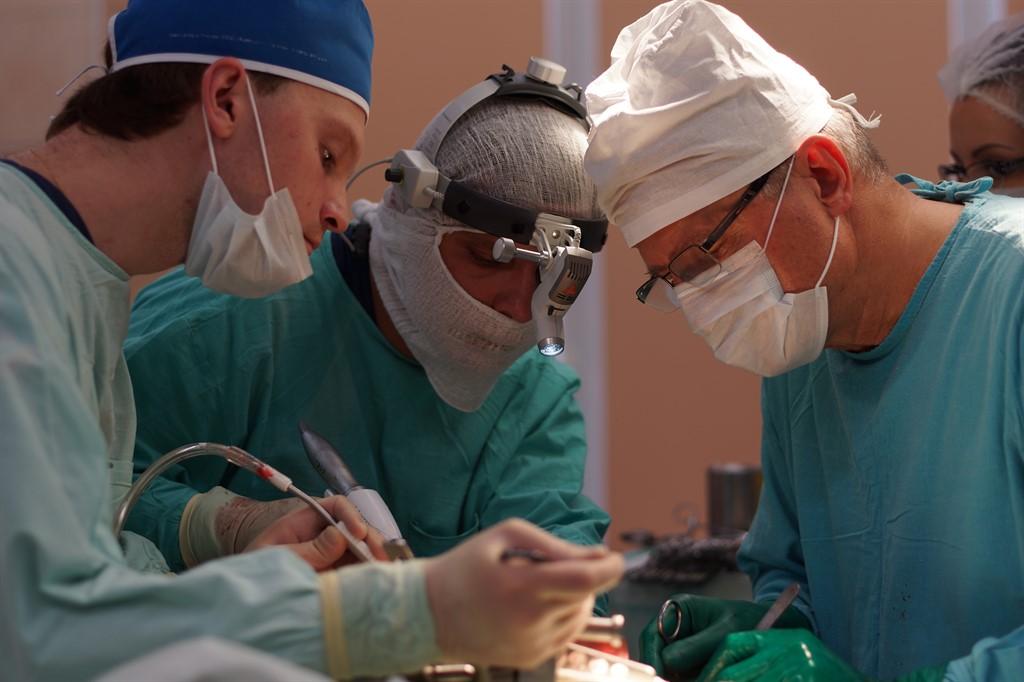 Уважаемые и дорогие наши пациенты и коллеги! Немного обновлена фотогалерея в разделах работа в операционной и интерьер клиники. Мы делаем всё, чтобы вам было комфортно.
